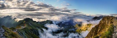 Πανόραμα της περιβάλλουσας περιοχής Swinica, βουνά Tatra, Πολωνία Στοκ εικόνα με δικαίωμα ελεύθερης χρήσης