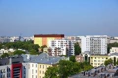 Πανόραμα της πόλης του Lublin στο σύνολο της Πολωνίας των φραγμών και των πράσινων δέντρων στοκ φωτογραφία