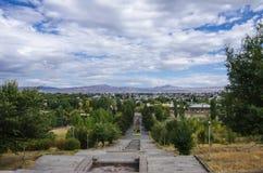 Πανόραμα της πόλης Gyumri από το άγαλμα της Αρμενίας μητέρων στο αναμνηστικό πάρκο νίκης Gyumri στοκ φωτογραφίες με δικαίωμα ελεύθερης χρήσης