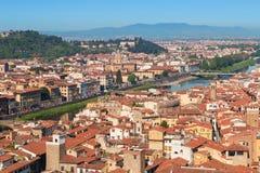 Πανόραμα της πόλης της Φλωρεντίας και του ποταμού Arno και Ponte Vecchio Στοκ Εικόνες
