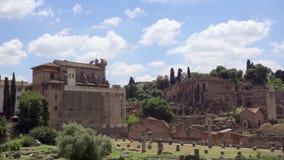 Πανόραμα του αρχαίου φόρουμ Romanum καταστροφών σε σε αργή κίνηση Ρωμαϊκό φόρουμ στο κέντρο της πόλης της Ρώμης, Ιταλία απόθεμα βίντεο