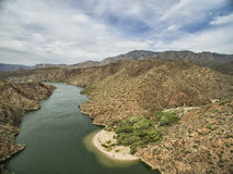 Πανόραμα του αλατισμένου ποταμού στη φυσική κίνηση ιχνών Apache, Αριζόνα Στοκ Φωτογραφίες
