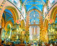 Πανόραμα του εσωτερικού της βασιλικής του ST Mary, Κρακοβία, Πολωνία στοκ εικόνες