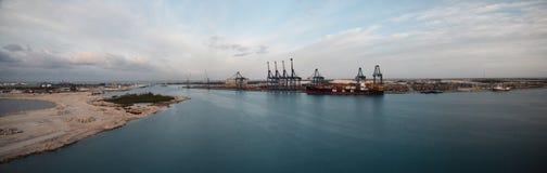 Πανόραμα του ελεύθερου λιμένα, Μπαχάμες Στοκ εικόνα με δικαίωμα ελεύθερης χρήσης