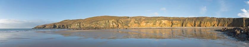Πανόραμα του κόλπου εκκλησιών στη βόρεια Ουαλία UK Anglesey Στοκ φωτογραφία με δικαίωμα ελεύθερης χρήσης