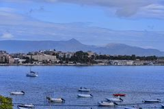 Πανόραμα του κόλπου στην πόλη της Κέρκυρας στο ελληνικό νησί της Κέρκυρας Στοκ εικόνες με δικαίωμα ελεύθερης χρήσης
