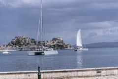 Πανόραμα του κόλπου στην πόλη της Κέρκυρας στο ελληνικό νησί της Κέρκυρας Στοκ εικόνα με δικαίωμα ελεύθερης χρήσης