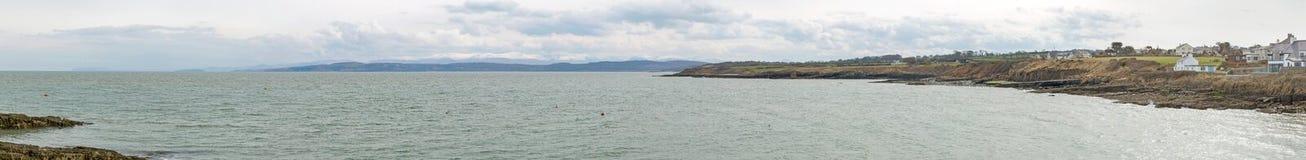 Πανόραμα του λιμανιού Moelfre στη βόρεια Ουαλία Anglesey Στοκ φωτογραφία με δικαίωμα ελεύθερης χρήσης
