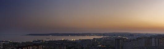 Πανόραμα του Μπακού στο ηλιοβασίλεμα της ημέρας Στοκ φωτογραφία με δικαίωμα ελεύθερης χρήσης