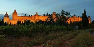 Πανόραμα του Carcassonne τη νύχτα τεχνητό στοκ εικόνα