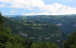 Πανόραμα των βουνών του χωριού ASIAGO στην Ιταλία Στοκ φωτογραφίες με δικαίωμα ελεύθερης χρήσης