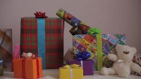 Πανόραμα των δώρων διακοπών Χριστουγέννων φιλμ μικρού μήκους