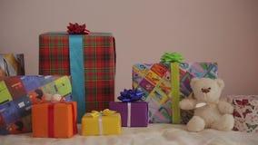 Πανόραμα των δώρων διακοπών Χριστουγέννων απόθεμα βίντεο