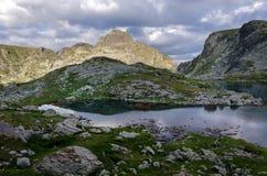Πανόραμα των λιμνών Elenski, βουνό Rila, Βουλγαρία Στοκ εικόνα με δικαίωμα ελεύθερης χρήσης