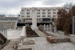Πανόραμα των καταστροφών ρωμαϊκού Odeon στην πόλη Plovdiv, Βουλγαρία Στοκ Εικόνες