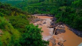 Πανόραμα των ορμητικά σημείων ποταμού και του καταρράκτη στον ποταμό Awash στην Αιθιοπία Στοκ Φωτογραφία