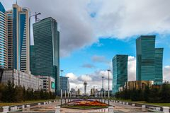 05 10 2011 πανόραμα των ουρανοξυστών στο διοικητικό και κέντρο πολιτισμού του nur-σουλτάνου Astana, Καζακστάν στοκ φωτογραφία