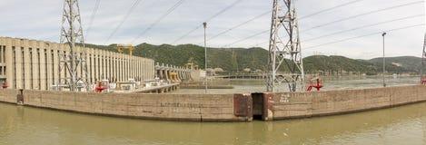 Πανόραμα των υδροηλεκτρικών εγκαταστάσεων πυλών σιδήρου στοκ εικόνες με δικαίωμα ελεύθερης χρήσης