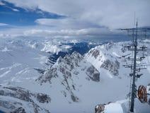 Πανόραμα χειμερινών βουνών του ST anton AM arlberg Στοκ Φωτογραφίες