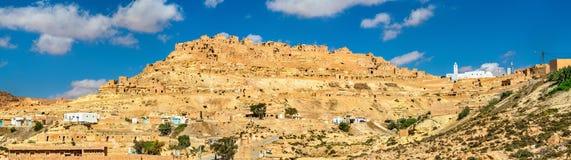 Πανόραμα Chenini, ένα ενισχυμένο χωριό Berber στη νότια Τυνησία Στοκ εικόνα με δικαίωμα ελεύθερης χρήσης