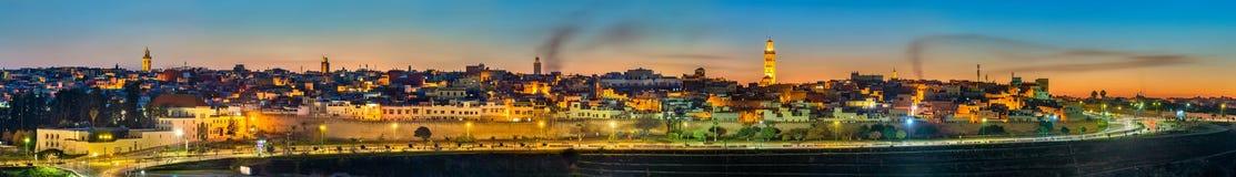 Πανόραμα Meknes το βράδυ - Μαρόκο στοκ φωτογραφία με δικαίωμα ελεύθερης χρήσης
