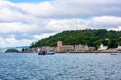Πανόραμα Oban, μιας παραθεριστικής πόλης μέσα στο Argyll και της περιοχής των συμβουλίων Bute της Σκωτίας Στοκ Φωτογραφίες
