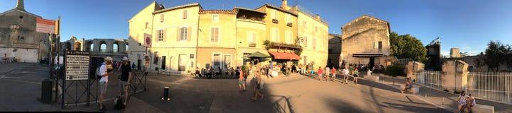 Πανόραμα rue de la Calade, Arles, Γαλλία Στοκ Φωτογραφία