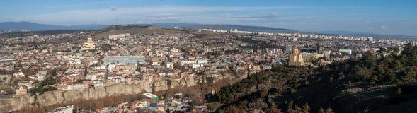 Πανόραμα Tbilisi και μοναστήρι Tabor Στοκ Φωτογραφίες