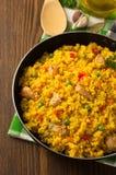 Παν σύνολο τηγανίσματος του ρυζιού στο ξύλο Στοκ εικόνα με δικαίωμα ελεύθερης χρήσης