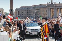 Παπάς Francis Bergoglio στο νέο παπά κινητό Στοκ εικόνες με δικαίωμα ελεύθερης χρήσης