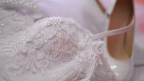 Παπούτσια γαμήλιων φορεμάτων και νυφών φιλμ μικρού μήκους