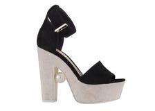 Παπούτσια γυναικών ` s σε ένα άσπρο υπόβαθρο υποδήματα ασφαλίστρου Ιταλικά μαρκαρισμένα παπούτσια Στοκ Εικόνες
