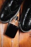 Παπούτσια και άρωμα ατόμων Στοκ Φωτογραφία