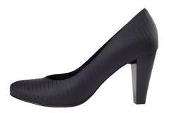 Παπούτσια μαύρων γυναικών τη μαύρη λαμπρή ζώνη που απομονώνεται με Στοκ Φωτογραφίες