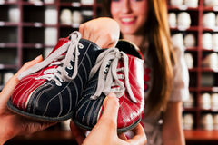 παπούτσια μπόουλινγκ Στοκ εικόνες με δικαίωμα ελεύθερης χρήσης