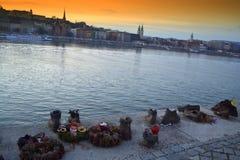 Παπούτσια στην τράπεζα Βουδαπέστη Δούναβη Στοκ φωτογραφία με δικαίωμα ελεύθερης χρήσης