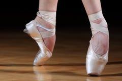 παπούτσια χορευτών μπαλέτ&o Στοκ φωτογραφία με δικαίωμα ελεύθερης χρήσης