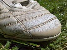 Παπούτσι ποδοσφαίρου που φοριέται Στοκ Εικόνα