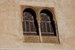 Παράθυρα αρχιτεκτονικής Arabesque alhambra Γρανάδα Στοκ εικόνες με δικαίωμα ελεύθερης χρήσης