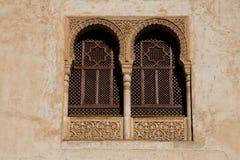 Παράθυρα αρχιτεκτονικής Arabesque alhambra Γρανάδα Στοκ εικόνα με δικαίωμα ελεύθερης χρήσης