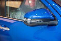 Παράθυρα αυτοκινήτων και δευτερεύων καθρέφτης Στοκ Φωτογραφία