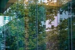 Παράθυρα γυαλιού να ενσωματώσει το τετράγωνο ναών στοκ εικόνες