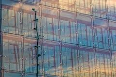 Παράθυρα γυαλιού του κτηρίου Στοκ Εικόνες