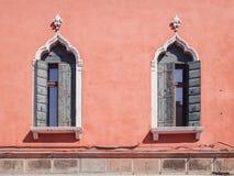 Παράθυρα στο ενετικό γοτθικό ύφος Στοκ φωτογραφία με δικαίωμα ελεύθερης χρήσης