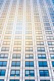 Παράθυρα του επιχειρησιακού γραφείου ουρανοξυστών, εταιρικό κτήριο σε Lon Στοκ Εικόνες