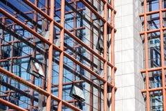 Παράθυρα του επιχειρησιακού γραφείου ουρανοξυστών, εταιρικό κτήριο Στοκ Εικόνα