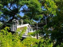 Παράθυρα Dormer σε ένα σπίτι πεζουλιών του Σίδνεϊ καρδιών της πόλης στοκ εικόνες