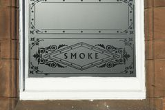 Παράθυρο γυαλιού καπνού στοκ εικόνα
