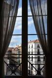 παράθυρο δωματίων της Μαδρίτης ξενοδοχείων Στοκ Φωτογραφία