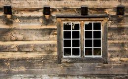 παράθυρο εξοχικών σπιτιών Στοκ φωτογραφία με δικαίωμα ελεύθερης χρήσης